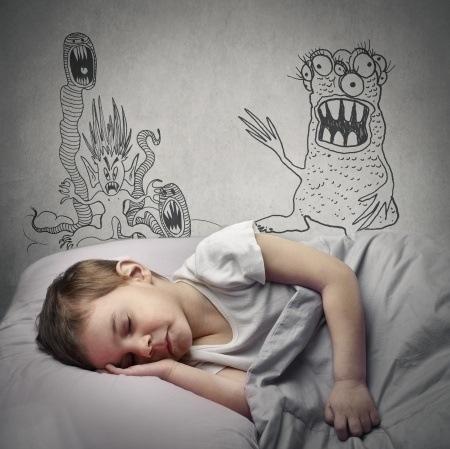 Comment aider votre enfant surmonter ses peurs - Comment faire dormir son enfant dans son lit ...