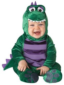 bebe qui mord enfant mordre crocodile