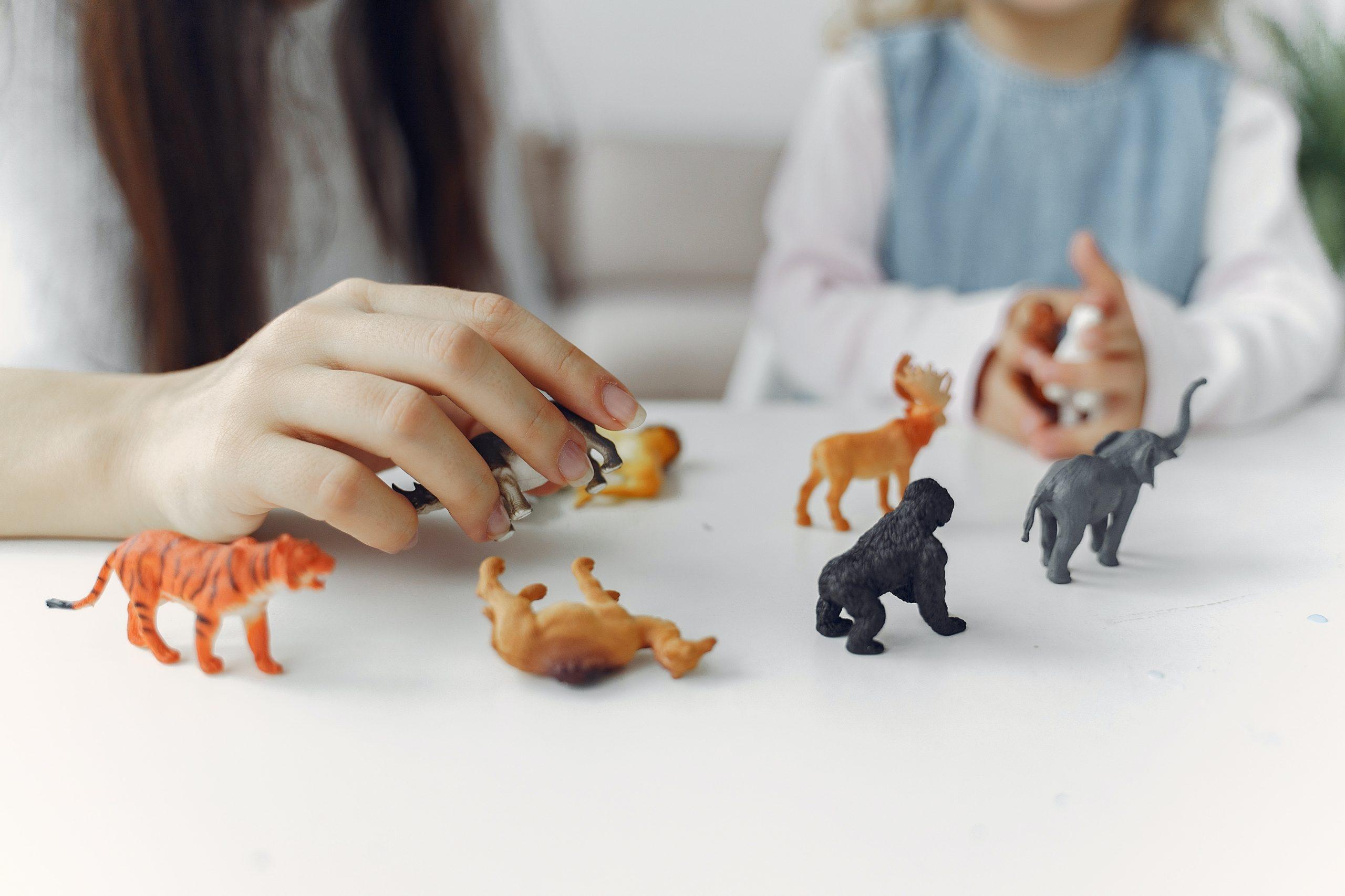 Favoriser le langage avec la pédagogie Montessori